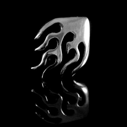 Ohrstecker mit Flamme aus Silber