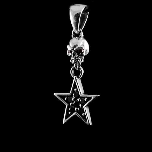 Totenkopf Anhänger mit Stern und Zirkonia Steinen aus Silber