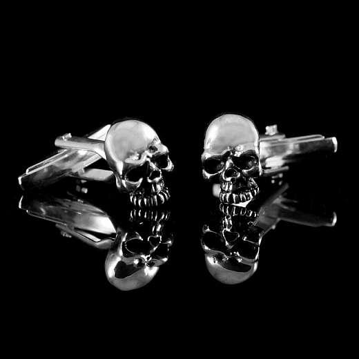 Manschettenknöpfe aus 935er Silber mit Totenkopf