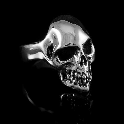Aus 935er Silber handgefertigter Totenkopf Ring