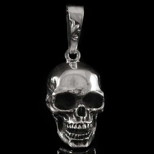 Anhänger als Totenkopf aus 935er Silber