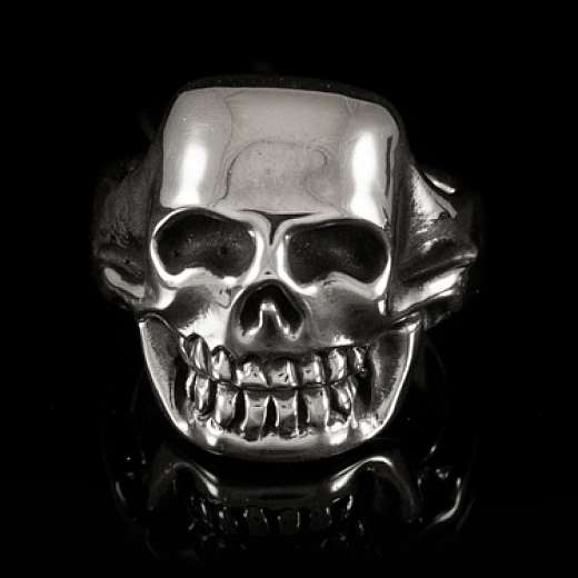 Totenkopfring handgearbeitet von Customringz