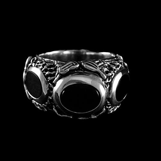 Ring mit Lapislazuli oder Onyx aus Silber