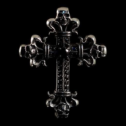 Bikerschmuck Anhänger mit Kreuz, Totenköpfen und schwarzen Zirkonia Steinen
