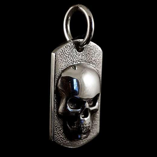 Anhänger Dog Tag mit Totenkopf aus Silber