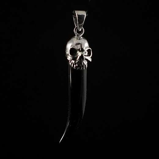 Biker Schmuck Anhänger Schwarzer Zahn aus Onyx mit Schädel gekrönt
