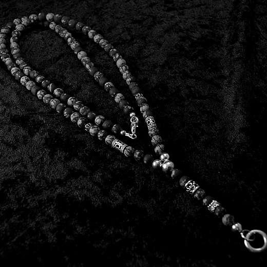 Kugelkette aus Snowflake Obsidian mit Lilie, Biker Schmuck
