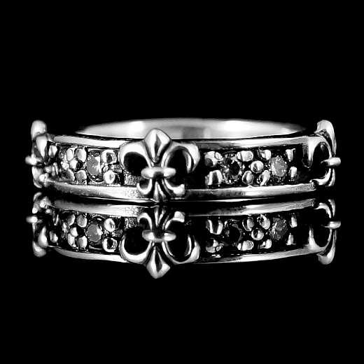 Eleganter Lilien Ring mit Zirkonia Steinen
