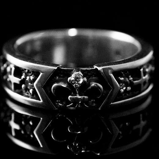 Ring Fleur de Lis und Kreuz