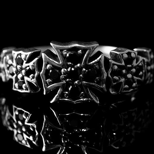 Templerschmuck, Ring mit kleinen Templerkreuzen