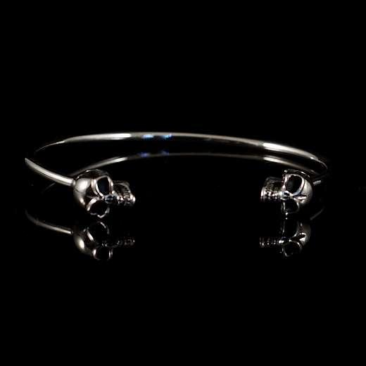 Totenkopf Armspange aus Silber