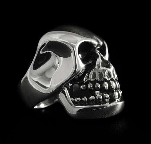 Totenkopf Ring massiv aus 935er Silber