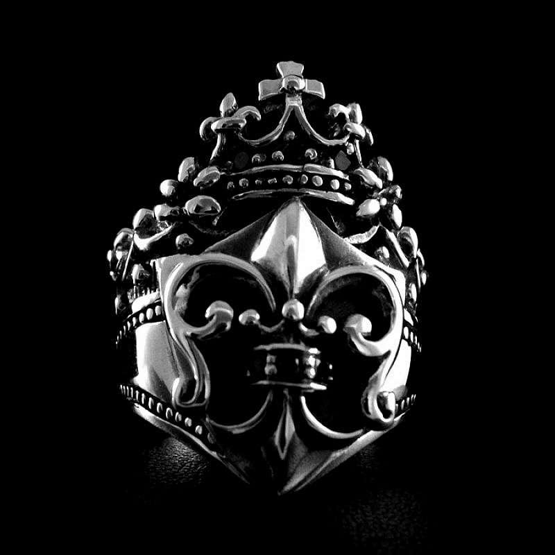 Gothic Ring mit Lilie und Krone aus Silber