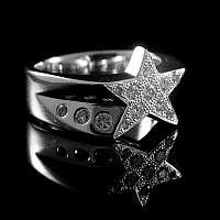 Eleganter Stern Ring besetzt mit Brillianten