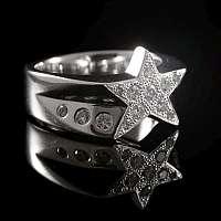 Ring aus 935er Silber mit Stern und Brillianten