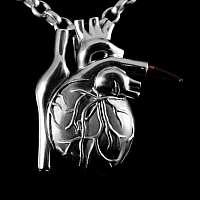Herz Anhänger mit Blut Ampulle aus 935er Silber