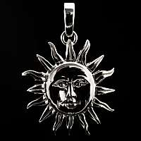 Anhänger mit Sonne aus Silber