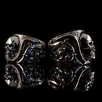 Eheringe, Einzelstücke mit Diamanten und Totenkopf