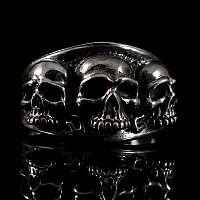 Biker Ringe mit drei Totenköpfen