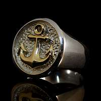 Schwere Eheringe mit Anker aus Gold