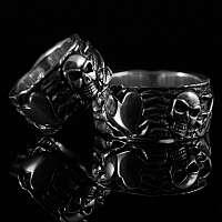 Totenkopf Eheringe gefertigt aus 935er Silber