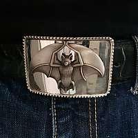 Gürtelschnalle mit Fledermaus aus Silber