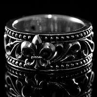 Ring mit Fleur de Lis Mittealter Schmuck