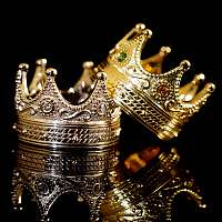 Knossi Ringe mit Krone aus Gelbgold und Weißgold