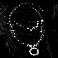 Kugelkette aus Lava mit Skulls, Bikerschmuck