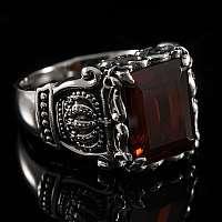 Mittelalter Ring mit Kronen und Zirkonia Stein