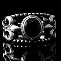 Mittelalter Schmuck Ring mit Schmuckstein und Lilie
