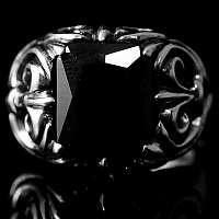 Ring mit Schmuckstein und Fleur de Lis Mittelalterschmuck