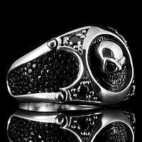 Rockerschmuck Skull Ring mit Zirkonia Steinen