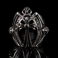 Templer Ring mit Zirkonia Steinen