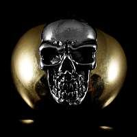 Totenkopf Niete mit vergoldeter Rückplatte