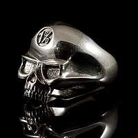 Totenkopf Ring mit 1% Symbol