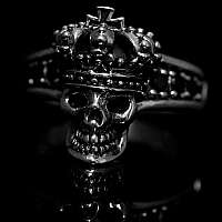Totenkopf Ring mit Krone und Templerkreuz