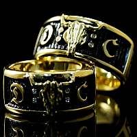 Eheringe im Wacken Style aus Gold mit Diamanten